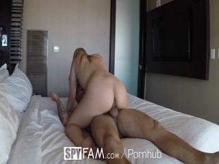 Секс видео инцест с мамой и сыном на кровати дома