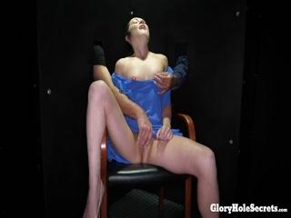 Русская порнуха в хорошем качестве, где парень трахает девушку и кончает ей прямо